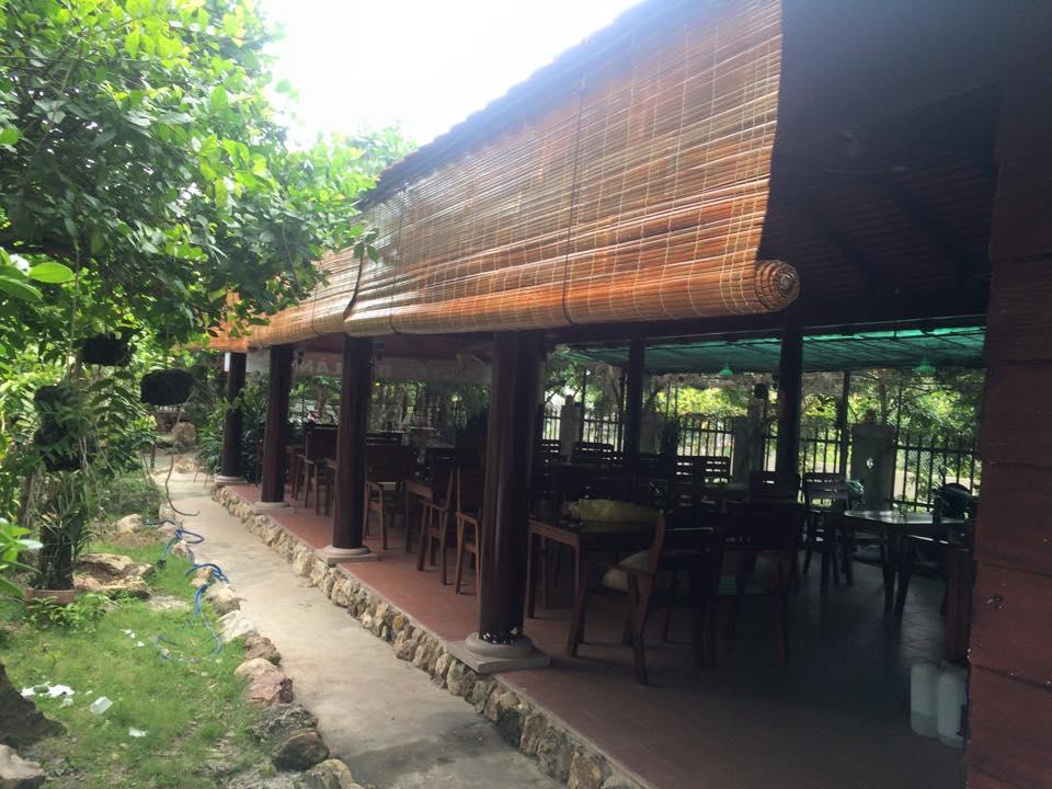 Công trình rèm che nắng nhà gỗ