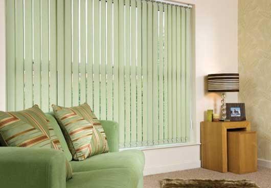 màn sáo lá dọc điều chỉnh ánh sáng hắt vào phòng