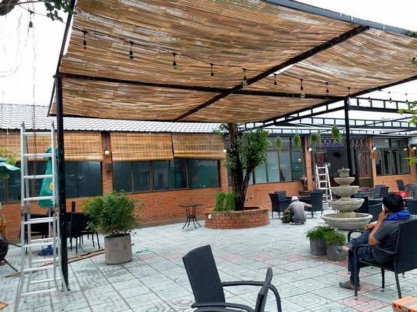 Mành trúc che nắng ở các quán cafe, sân vườn